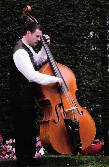 Will de Biste playing his bass
